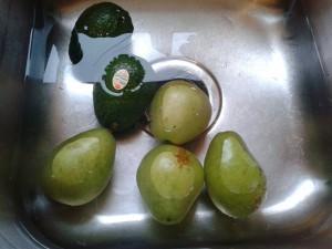 Vinegar as Fruit and Veggie Wash