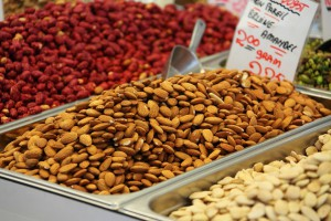 Foods high in magnesium - almonds